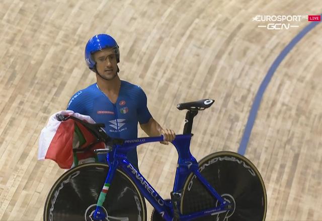 Во время чемпионата мира по велоспорту на треке у сборной Италии во Франции украли велосипеды